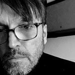 Oscar Carballo (Buenos Aires, 1959) es cineasta, escritor, artista visual y docente.